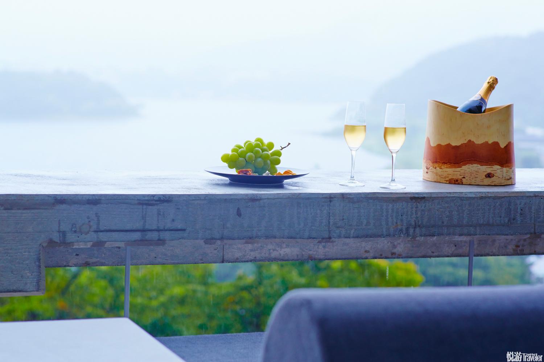 酒店有多種戶外活動可以參加,例如河口湖清晨泛舟、騎馬船行林間、山林徒步、觀星等等。  1408 Oishi,F...