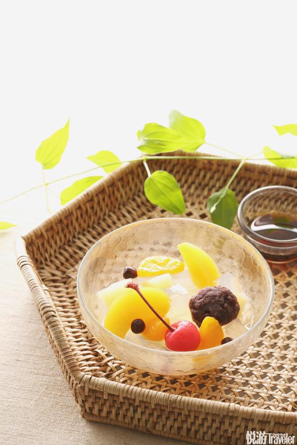 """甜食。日本料理中标注的""""甜食""""可不是高热量的甜品或清爽的冰激凌哦,而是时令水果,不过还是可以起到减..."""