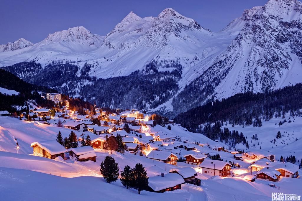 瑞士阿罗萨被群山包围的瑞士小镇阿罗萨适合喜爱户外运动的人们,除了冬天有绝佳的滑雪场,夏天也能透过步...