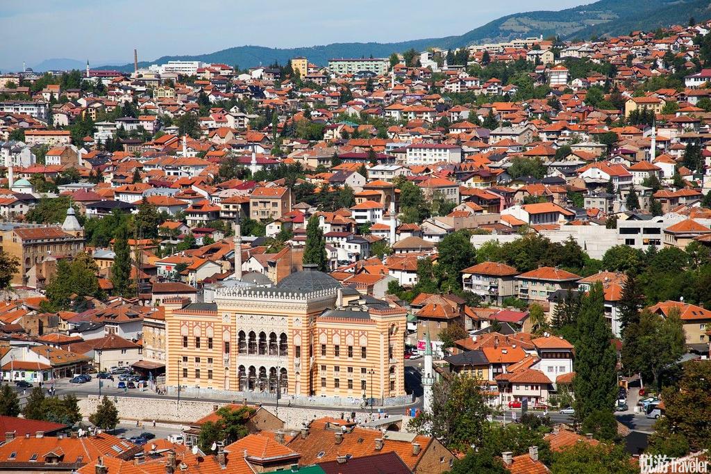 萨拉热窝(Sarajevo),波黑波斯尼亚-黑塞哥维那的首都和经济、文化中心。二战后萨拉热窝曾是南斯拉夫社...