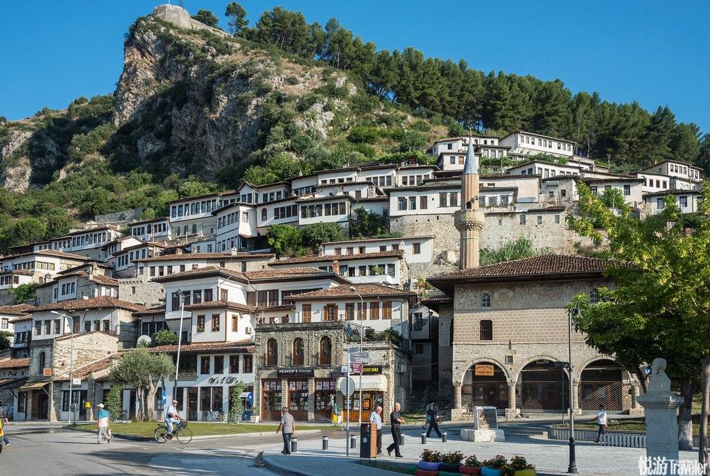 培拉特(Berat),号称千窗之城.