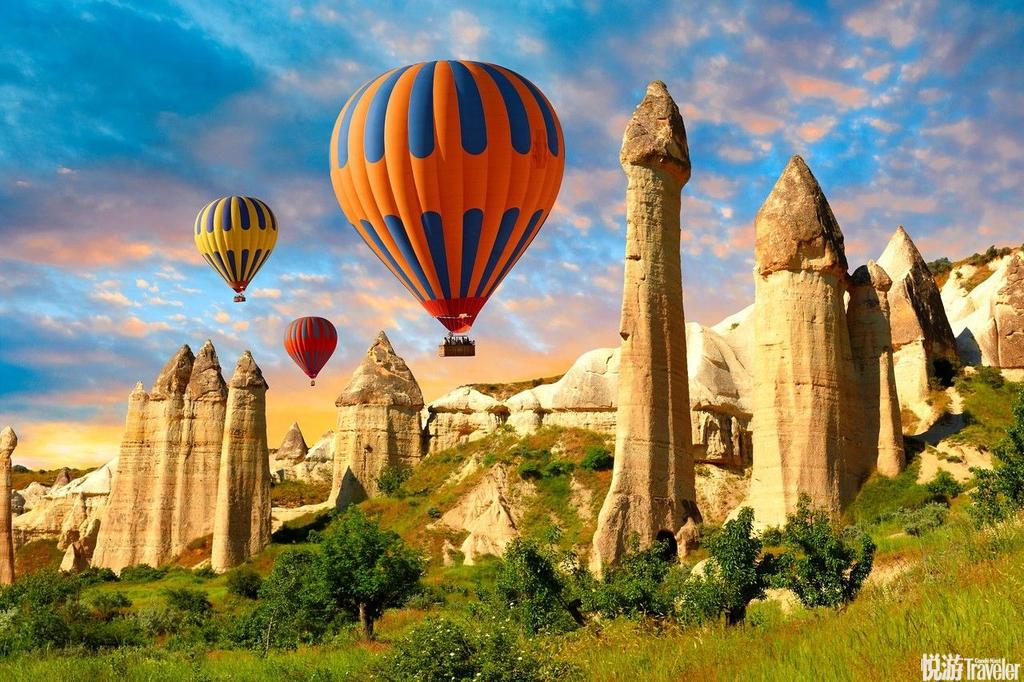 土耳其卡帕多齐亚数百万年前的火山活动,造就这里奇岩怪石的特殊地形,乍看就像来到别的星球一样奇异。来...