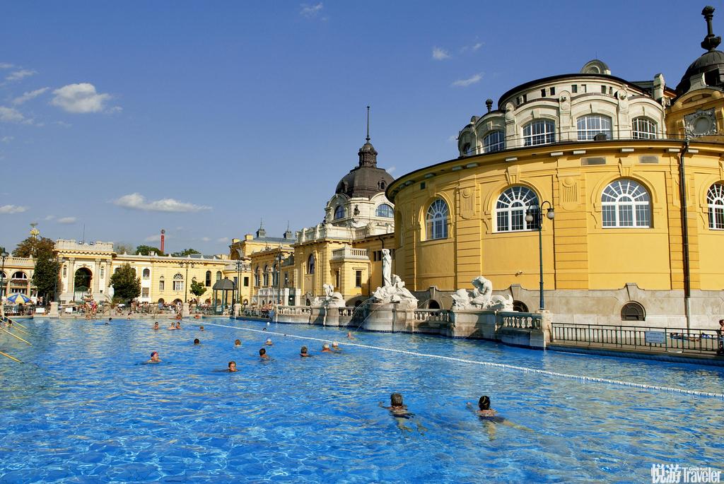 布达佩斯。匈牙利拥抱多瑙河畔,布达佩斯是由四面美丽的风景所包围,这个城市拥有众多的温泉。