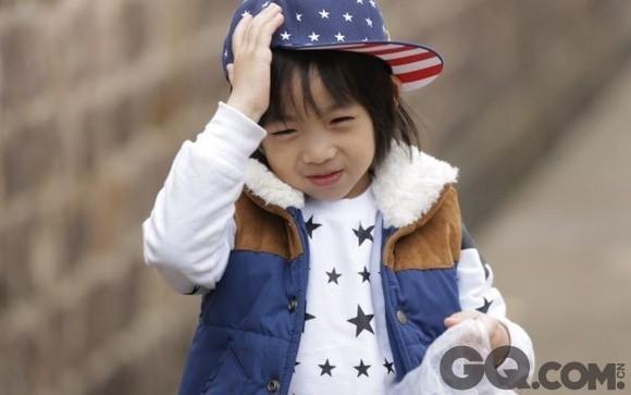 """怪不得人称""""小小志"""",kimi似乎延续了爸爸阳光可爱的"""
