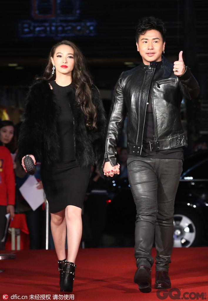 欧弟的老婆郑云灿是他粉丝,据说是北京某大型广告公司的总监,也是模特,长得十分漂亮。