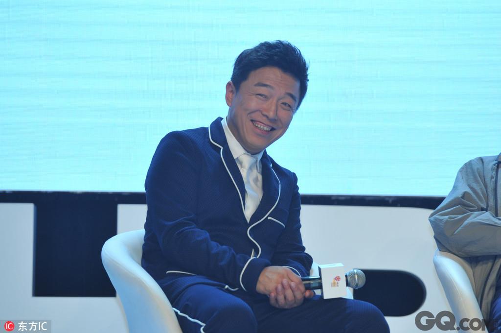 新歌《过去了》是黄渤自2016年加盟国际音乐厂牌索尼以来发布的第二首单曲,歌手黄渤的演唱技巧和歌曲本身都受到了广大网友的肯定和喜爱。短短数小时内,《过去了》即登上各大音乐网站的热搜榜。