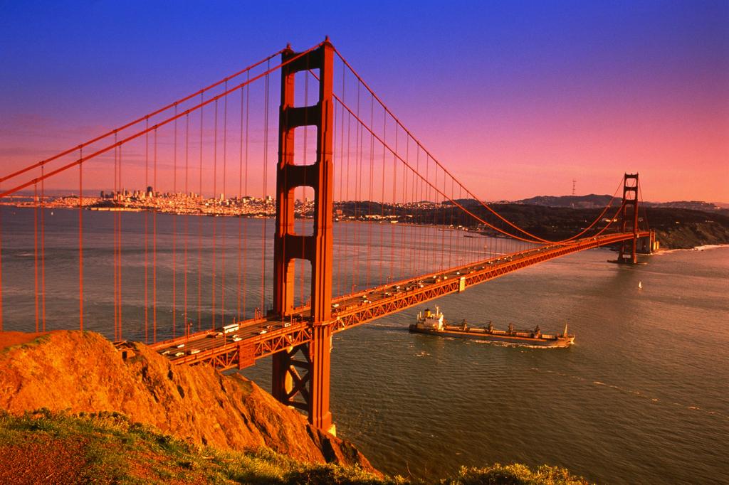 美國舊金山要是有機會在紐約坐上了直升飛機,不妨走遠了一點到它的圖片