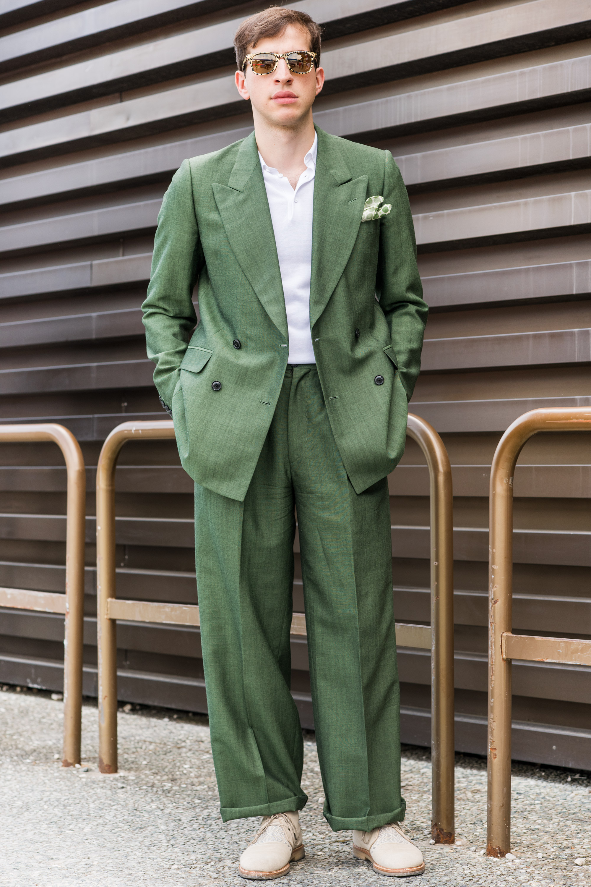 Konstantin Sunglasses: Carrera x Jimmy Choo Suit: Dries Van Notten Polo: COS Pocket square: LBM 1911 Shoes: Missoni  Cheapest piece: my polo Oldest piece: the suit from 3 years ago  Inspiration: I'm celebrating Pitti Uomo's color theme today!(为了庆祝Pitti Uomo的色彩主题!)
