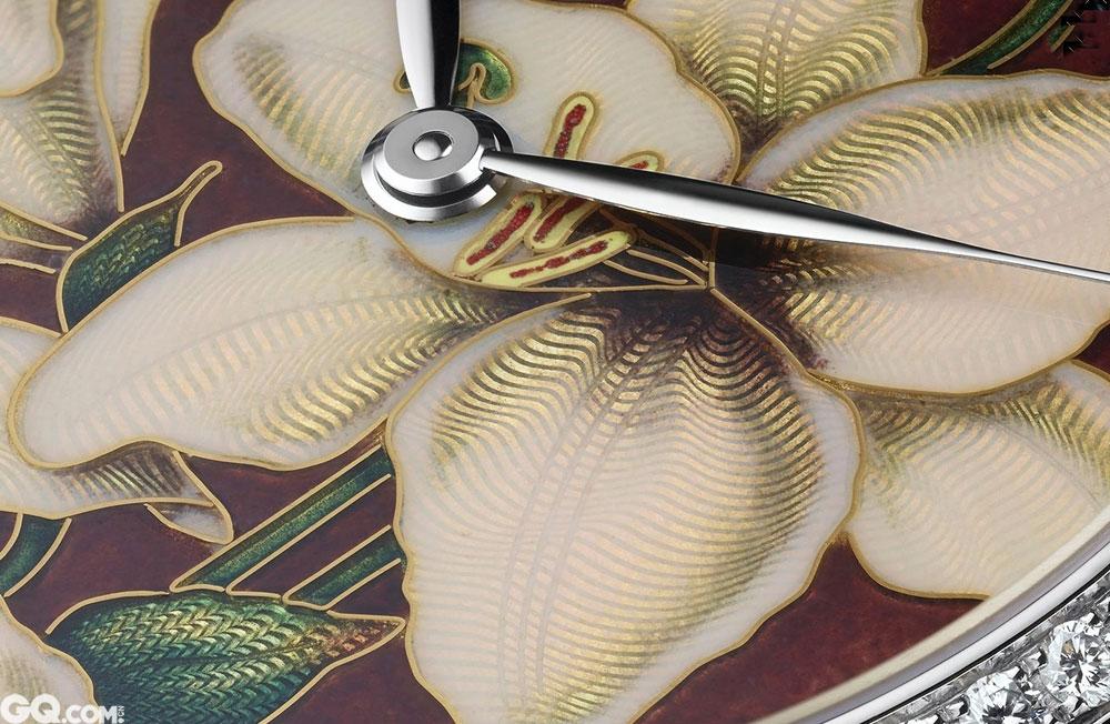 近来有很多大品牌会采用掐丝珐琅与内填珐琅。微绘珐琅,多为日本大师所做。