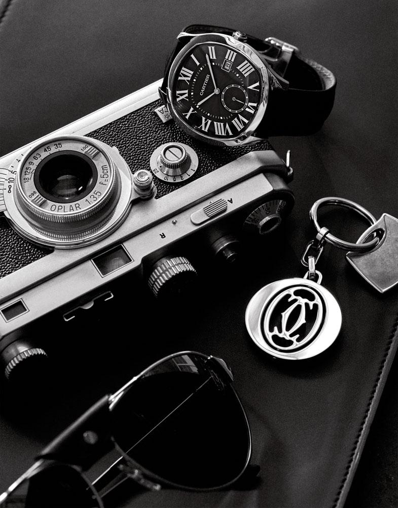 自2016年1月在日内瓦高级钟表展首次亮相,Drive de Cartier这款风范之作,即以优雅复古的枕形造型,让人过目难忘,成为卡地亚男士造型腕表的又一经典之作。