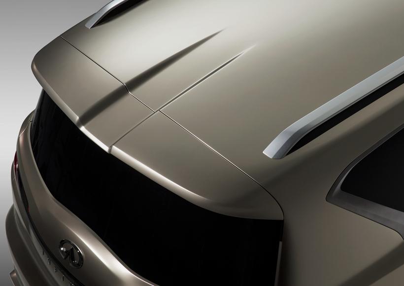 当然,作为概念车型,意味着量产款型和这辆QX80将会有一定程度的造型修改。QX80仅仅是展示了英菲尼迪最新的设计语言和未来车型的造型方向,而剑指奢华品牌则是他们的下一个作战目标。