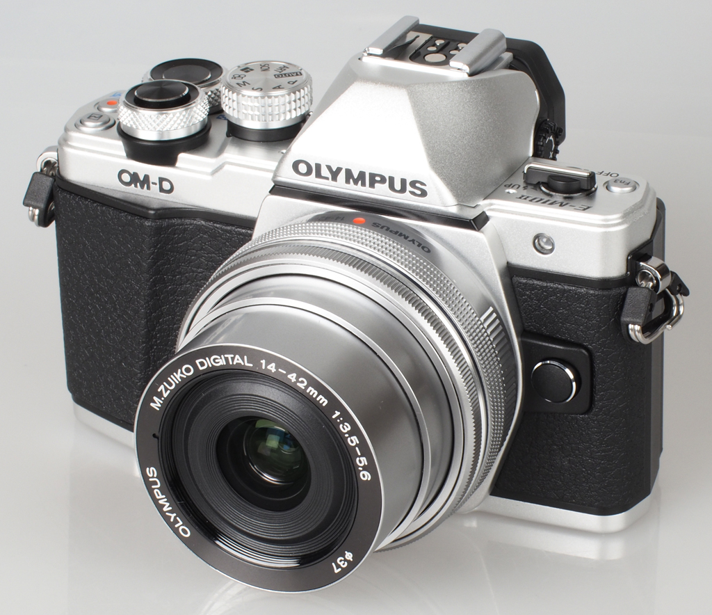 NO.5奥林巴斯EM-10 Mark II 作为一款入门级的无反相机,奥林巴斯EM-10 Mark II的连拍速度也很出色,每秒高达8.5张,而且可以触屏完成对焦。搭载的5轴防抖系统,可以轻松的将激烈的赛况记录下来。 参考报价:4799元