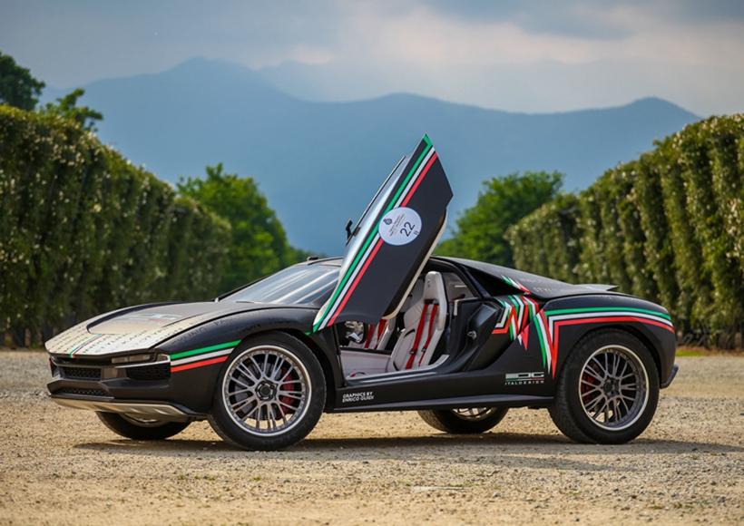 除了造型极其酷炫的外观,不得不提的是源自于法国的跑酷极限运动Parcour的这个名字。显而易见,Italdesign意图表明这是一辆能够攀岩走壁的车辆并且和跑酷一样cool。