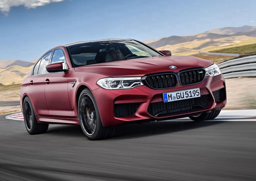 BMW的M部门主席在谈及这个系统时提出,全新的BMW M5可以在赛道和公路上展现其卓越的运动性能和超凡的准确度,而显著增强的稳定性和控制性,也能让它有足够的能力适应各种恶劣天气。对于痴迷于享受驾驶快感的朋友来说,这一定是个不可多得的好消息。
