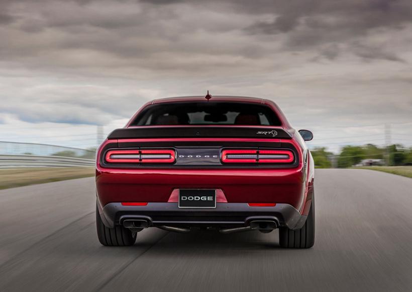"""在美国为数众多的汽车品牌当中,隶属于FCA集团的道奇可以说是性能形象最为鲜明的品牌,旗下的""""挑战者""""更是北美三大肌肉车款之一。"""