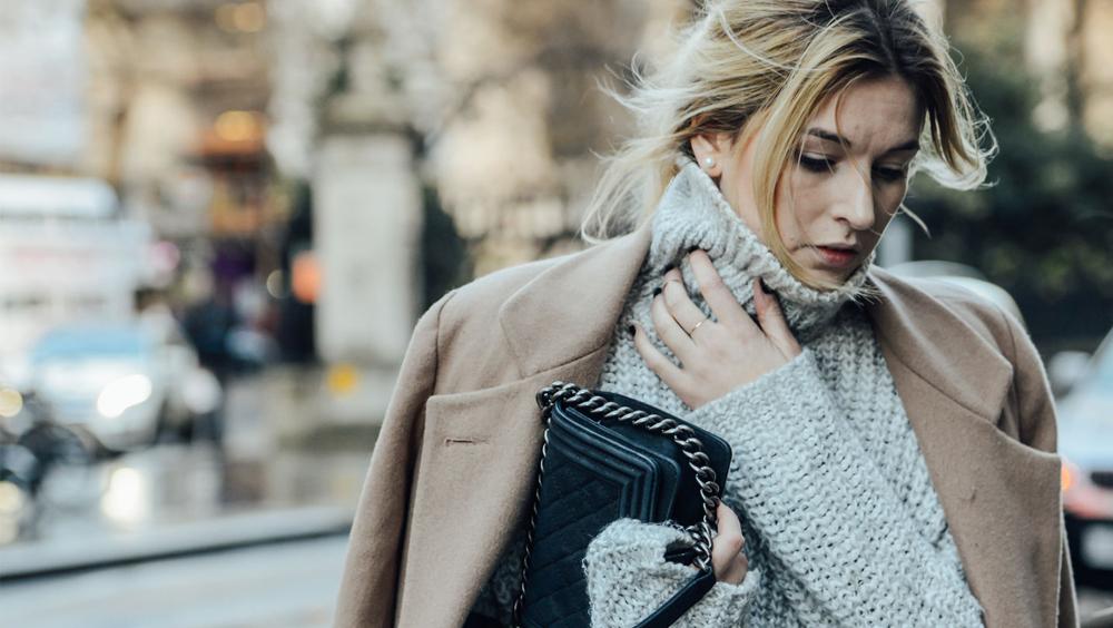 高领毛衣这么时髦,为什么我们却穿不好?