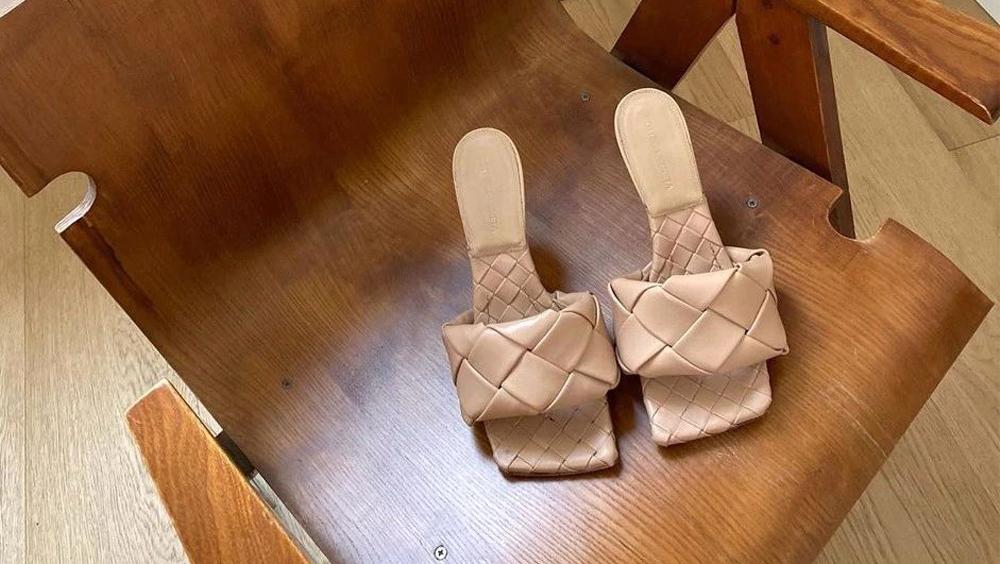 """那些年让我嫌弃的""""丑鞋"""",如今却这么时髦"""