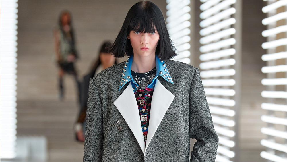 你需要從巴黎時裝周 AW21了解的美發美容趨勢