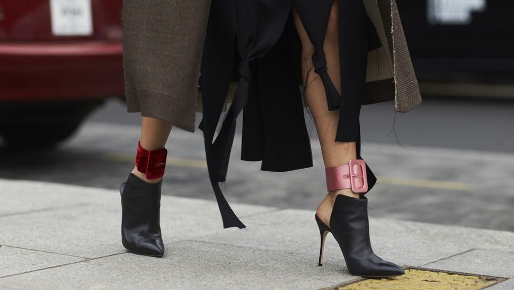 """这双""""一脚蹬""""能让你衣橱里所有单品都换个风格"""