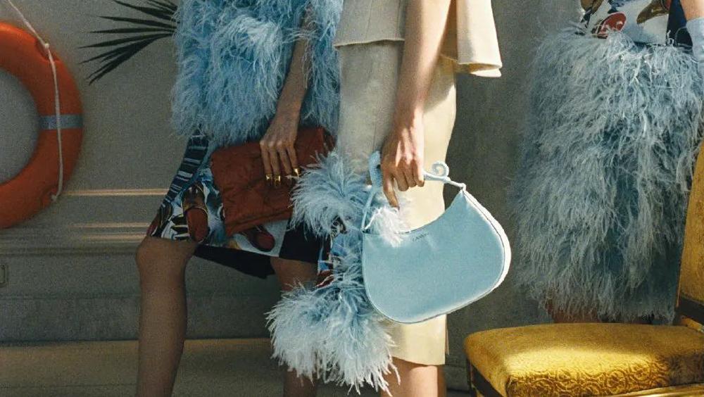 巴黎時裝周竟然有這么多讓上班族愛慘的包包