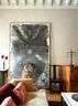 石像维纳斯旁边的一把椅子,其实是谷文达的一个影像作品,卧室里也放了一个,这把椅子还兼具实用功能,偶尔可以坐坐。