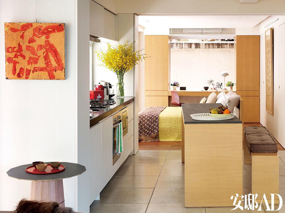 主人:Brad Davis和Janis Provisor夫妇,企业家,艺术家,他们成功创立了Fort Street Studio地毯品牌,目前居住在香港。