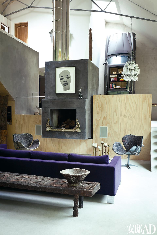 家庭生活空间的设计以开阔为原则,每个房间像盒子一般被堆叠于整个空间中。错落有致的结构塑造出了多个私密区域。