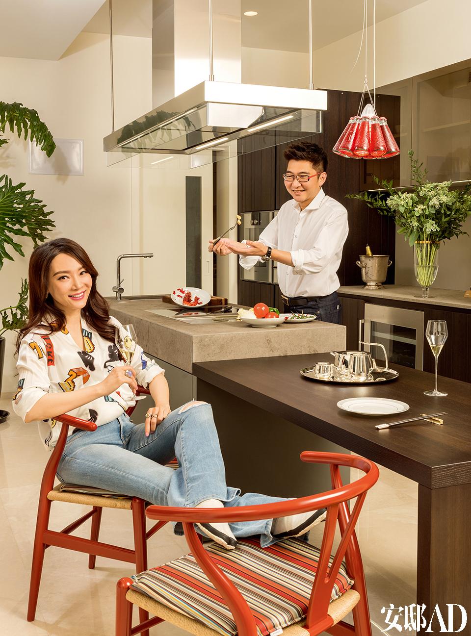 夫做妇尝是家里的常见场景。