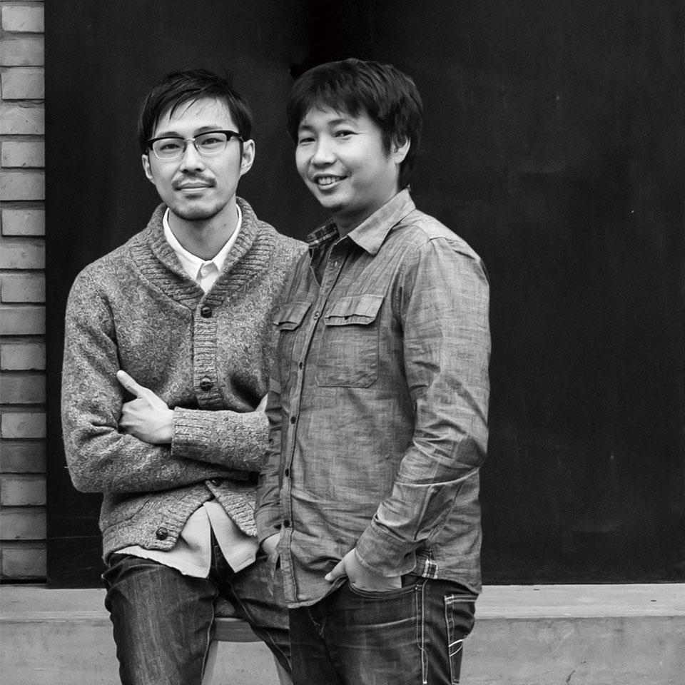 出口勉(左) 冈本庆三(右)