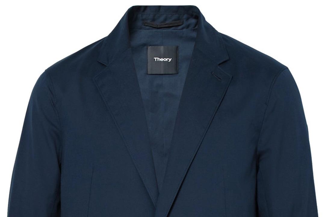 宽松款西装带来不同的时髦感