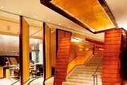 香港置地文华东方酒店 The Landmark:这间时髦酒店一改文华东方品牌一贯的正统形象,用极简主义、居家风...