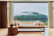 中國安吉阿麗拉:在阿麗拉安吉能看到什么樣的風景,取決于你什么時間醒來。八點,拉開窗簾一角,一夜雨后...