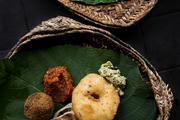 斯里蘭卡的咖喱不像印度咖喱那樣濃烈粘稠,而是更加清淡鮮美。我喜歡那些隨處可見的咖喱茄子,上面還撒有...