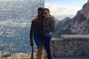 28岁的Becca Siegel和Dan Gold都非常热爱旅行,Dans的工作是一名旅拍摄影师,而Beccas的职业则是一名翻译...