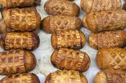 熏制羊奶干酪制作熏制羊奶干酪波兰最有特色的是奥斯茨派克Oscypek,是一种用盐渍羊奶制成的烟熏奶酪,...