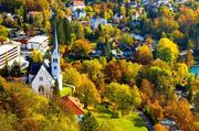 布莱德:位在斯洛文尼亚的度假小镇布莱德以其令人叹为观止的美景闻名,被翠绿色湖泊给包围的城镇里,有着...