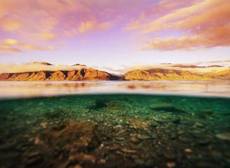 一半海水 一半美景 换个角度看世界