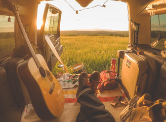 摄影师行游美国各地 记录远离尘嚣的简单生活
