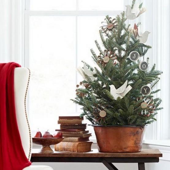 39款节约空间的小型圣诞树装饰