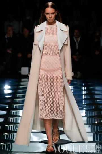 2015春夏趋势要素:轻薄大衣
