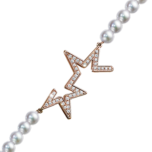 珍珠与钻石之光闪耀夜空