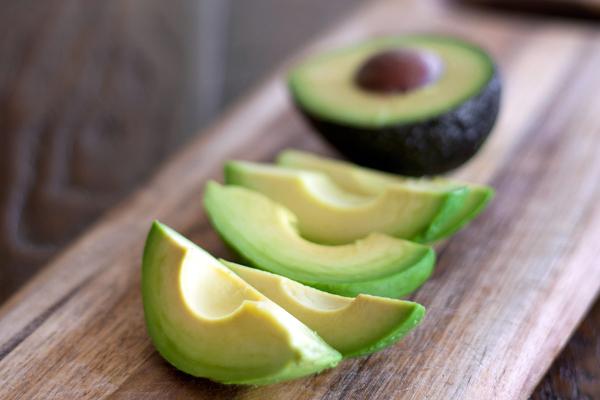 这些蔬果成分,用在脸上不如吃下去