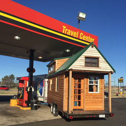 国外夫妻DIY迷你房车游北美 一年行驶3万公里