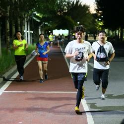 """鹿晗运动季之""""Light Run+1""""荧光跑  京城盛大开跑"""