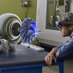 微软HoloLens 让你真正体验什么是AR