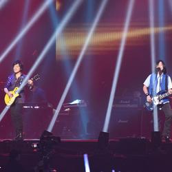 五月天台北小巨蛋演唱会 极致灯光效果演绎不屈摇滚魂
