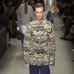 有没有想过穿一件画作拼成的印花衬衫?