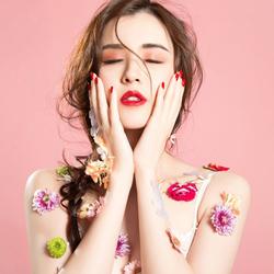 韩系少女与花儿