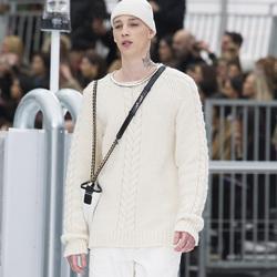 传统渔夫毛衣的慵懒穿搭法