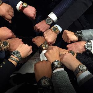 先生 你戴的腕表在朋友圈里显眼吗?